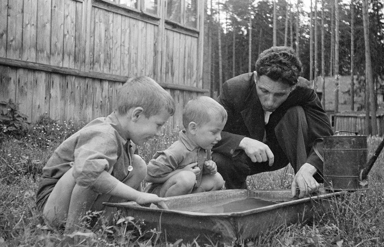 Фридлянд с детьми