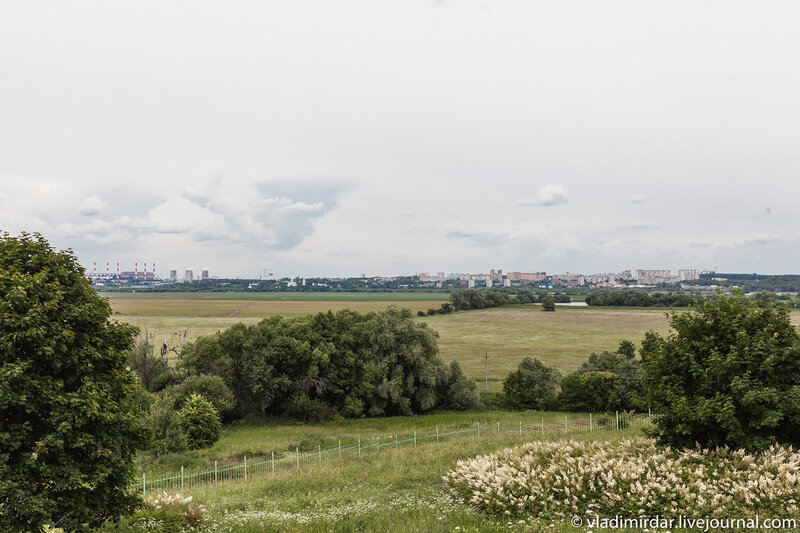 Усадьба Остров. Вид на Москву и Николо-Угрешский монастырь. Июнь.