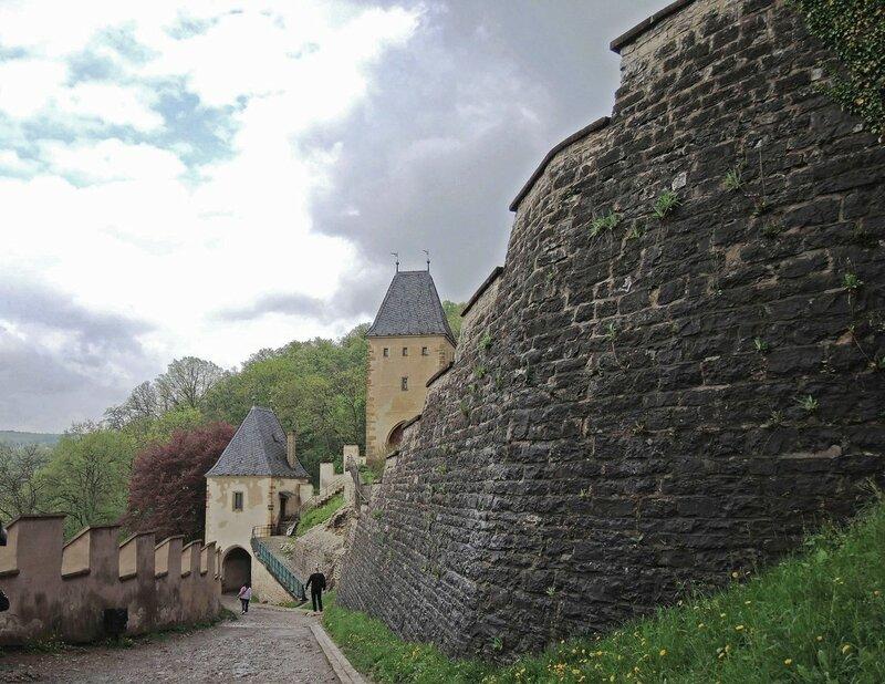 Старый замок на новый лад ...