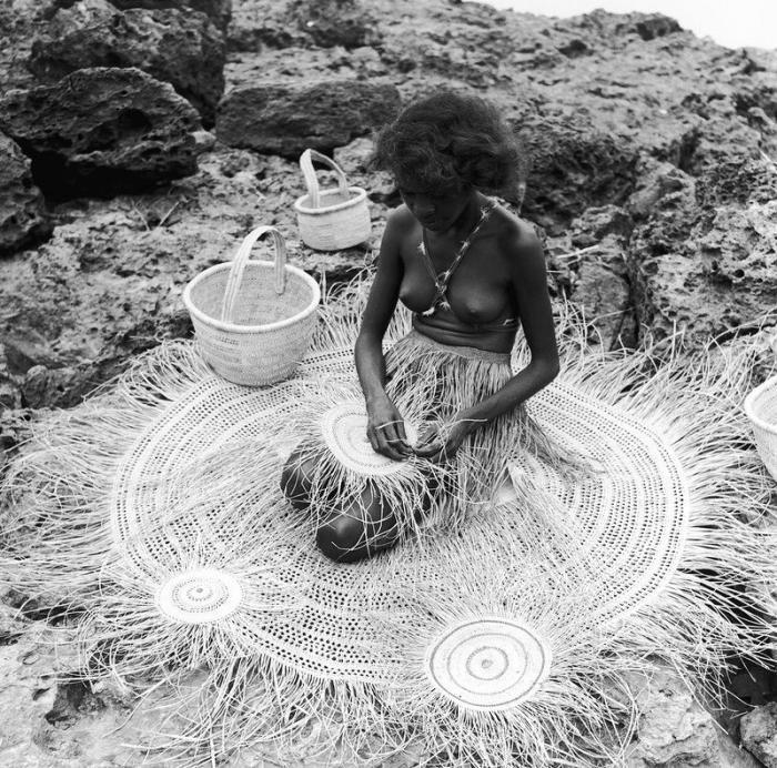 Аборигены с гигантскими яйцами и хуями фото 744-748