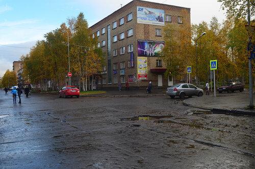 Фото города Инта №7224  Северо-западный угол Горького 9 (гостиница
