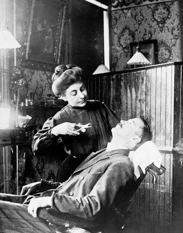 1909 TOOTH EXTRACTION