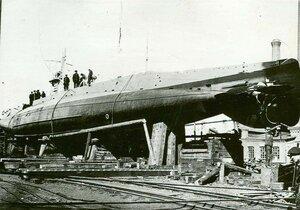 Подводная лодка типа АГ на одном из стапелей Балтийского завода.