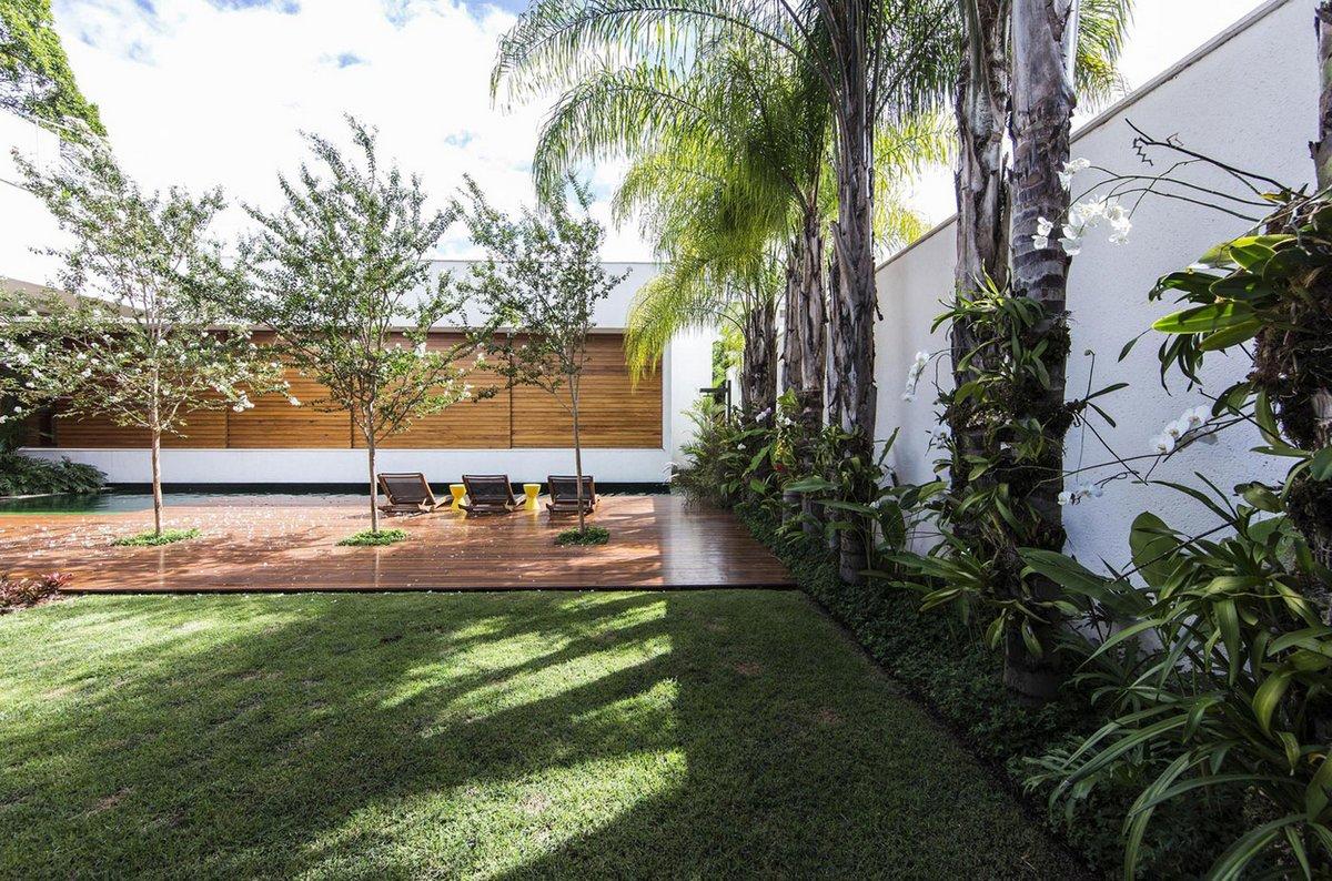 Felipe Bueno & Alexandre Bueno, RMJ Residence, дома в Бразилии, бразильская архитектура, частный дом с бассейном, приватный внутренний двор в доме