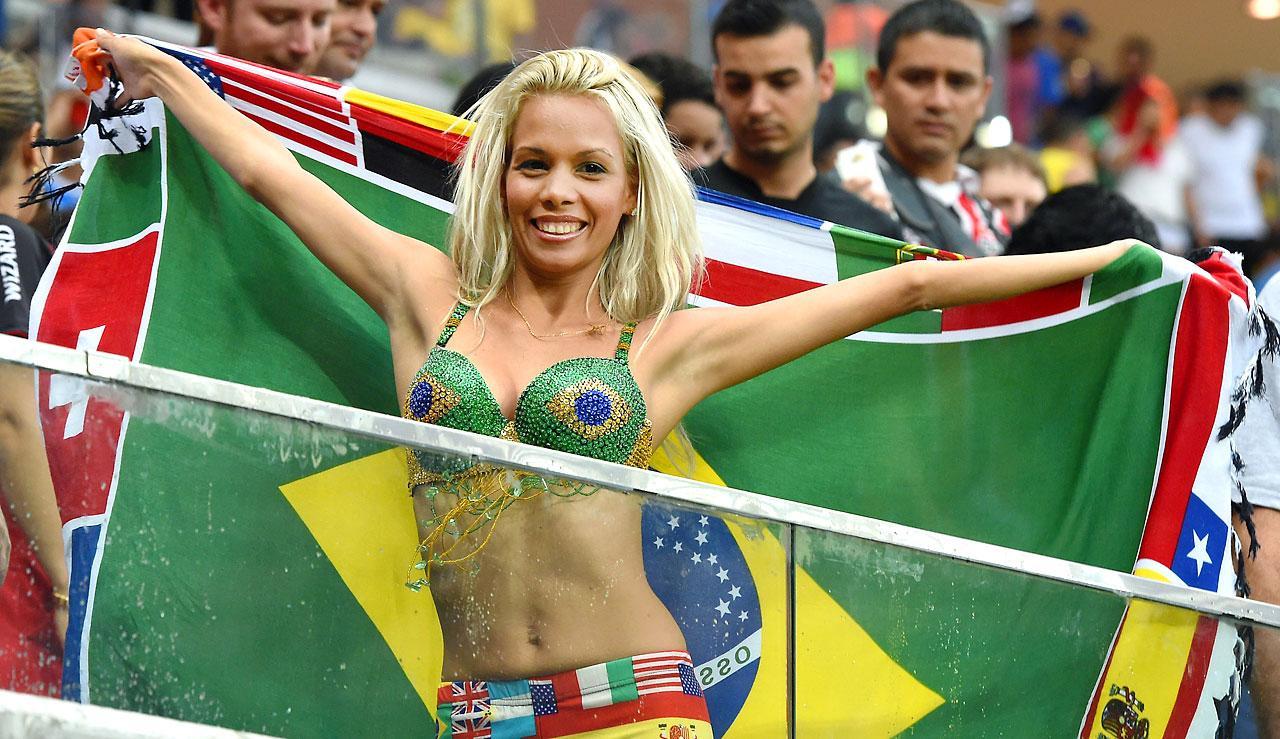 Самые сексуальные бразильские болельщицы 6 фотография