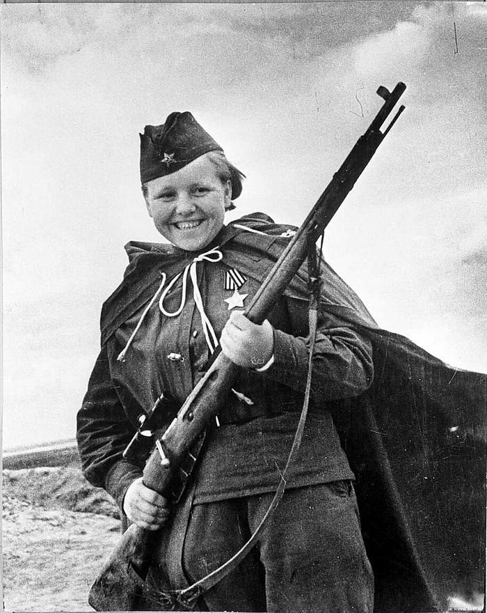 Снайпер Мария Кувшинова (май 1944 года)