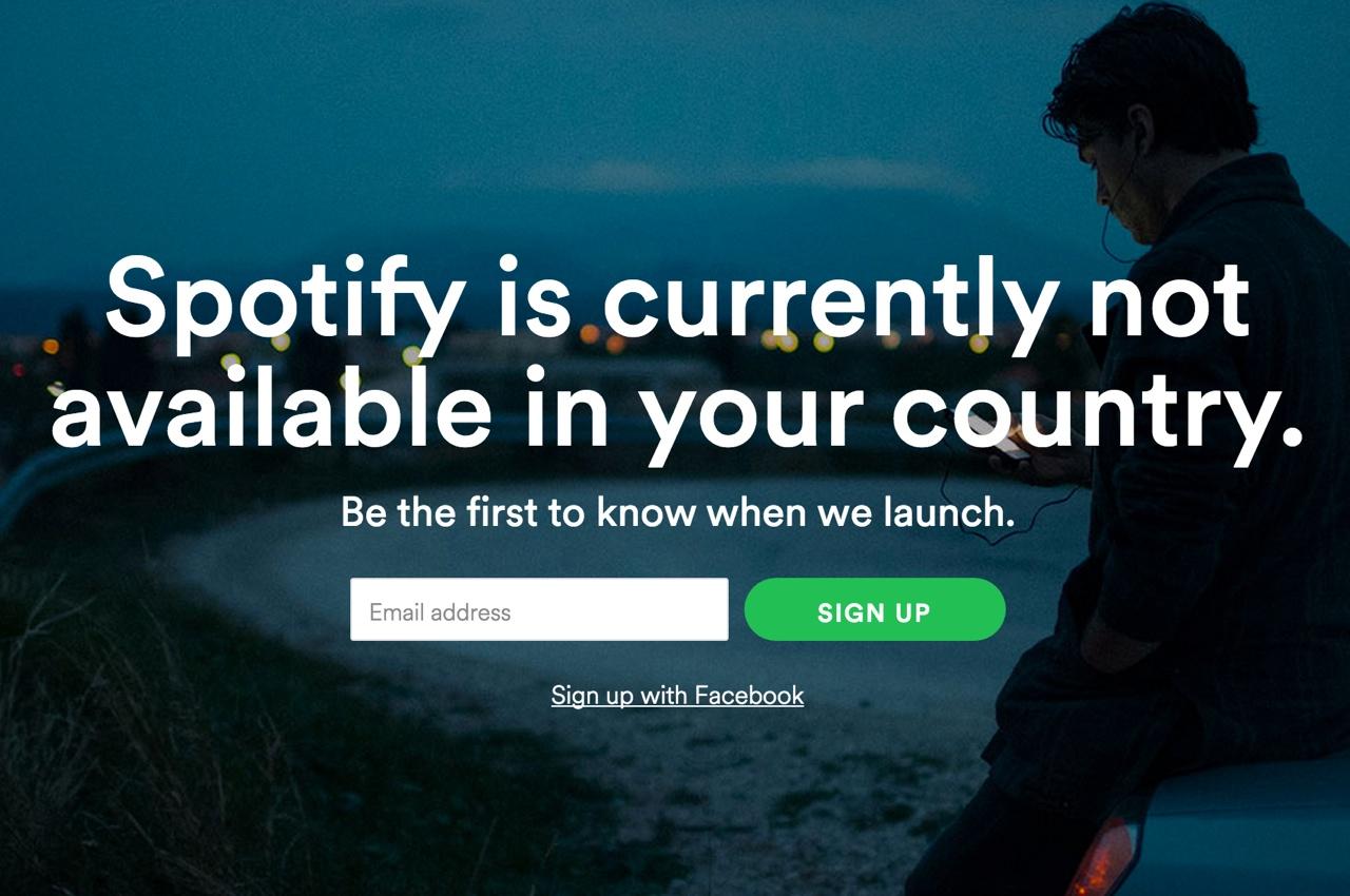Вот таким сообщением встречает Spotify посетителей из России