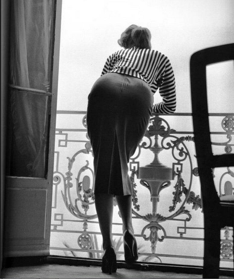 1955. Софи Лорен в отеле Карлтон. Канны
