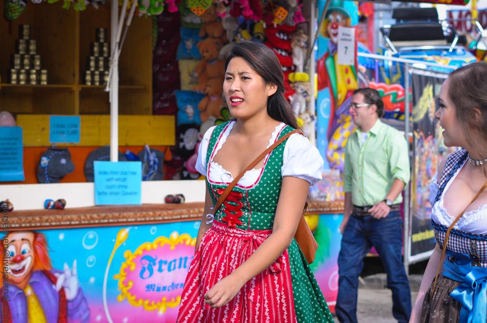 girls-Oktoberfest-(14).jpg
