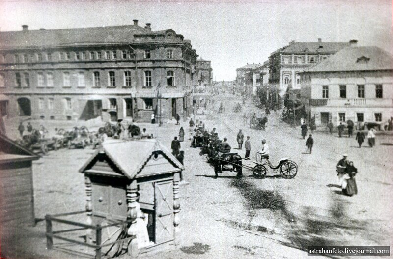 Вид от кремля на ул.Никольскую.jpg
