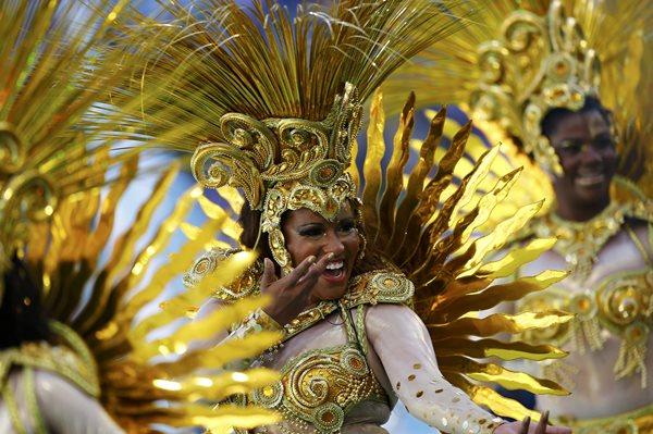 Самые яркие фото церемонии закрытия ЧМ 2014 на стадионе «Маракана». Фотографии