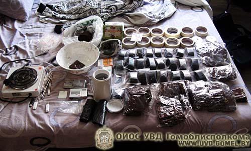 Интербригада: пойманы россиянин, гражданка Украины и несколько белорусов, которые распространяли «ромашковый чай»