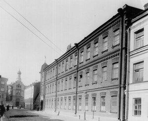 Внешний вид здания завода.