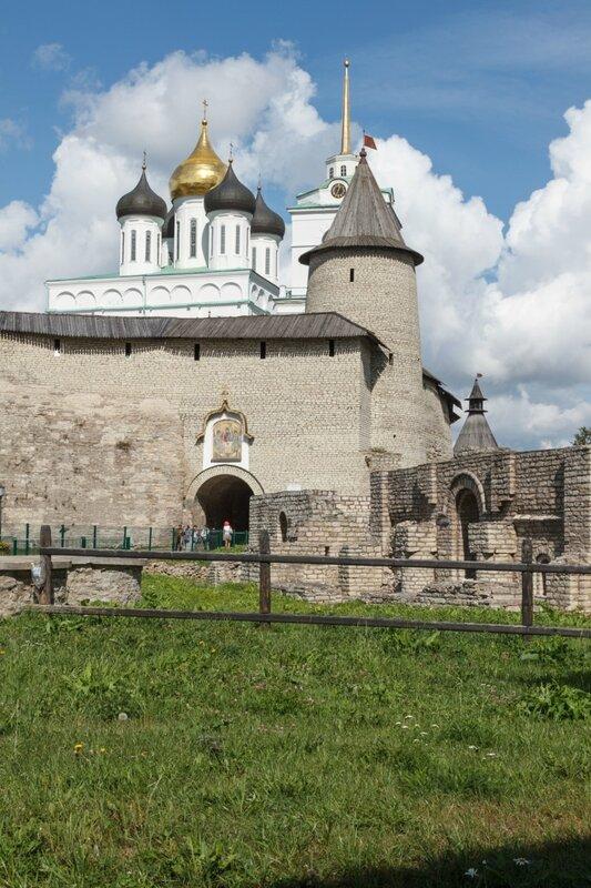 Довмонтов город и Кром