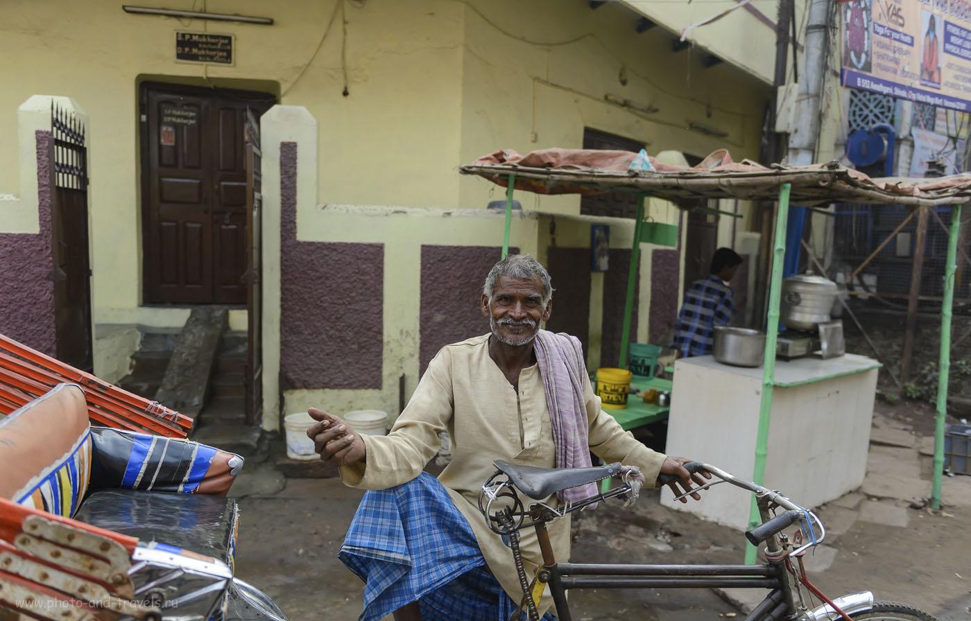 Фото 25. Благожелательный велорикша из Варанаси. Туры в Индию. 1/800, 2.8, 250, 28.