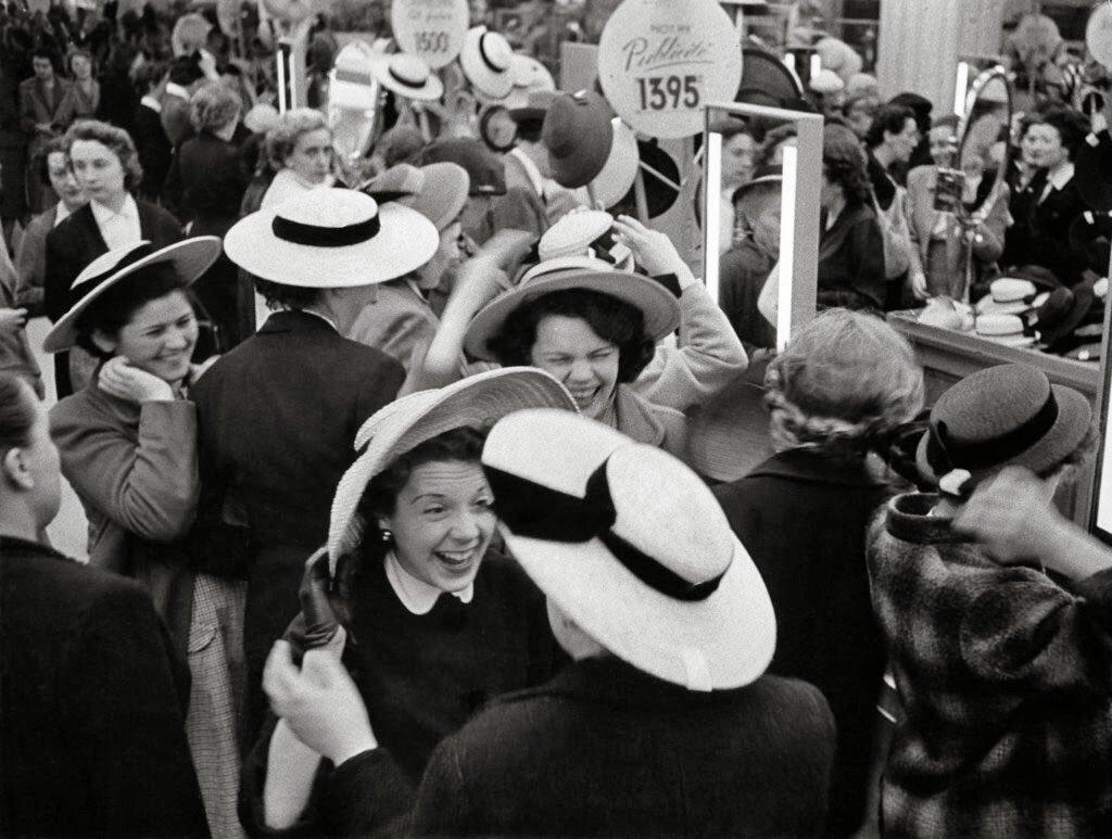 1953. Весна в Париже