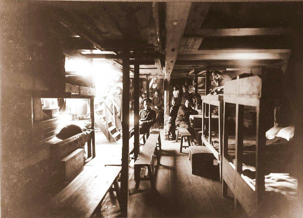 11. Вид части жилой палубы шхуны Али-Абад
