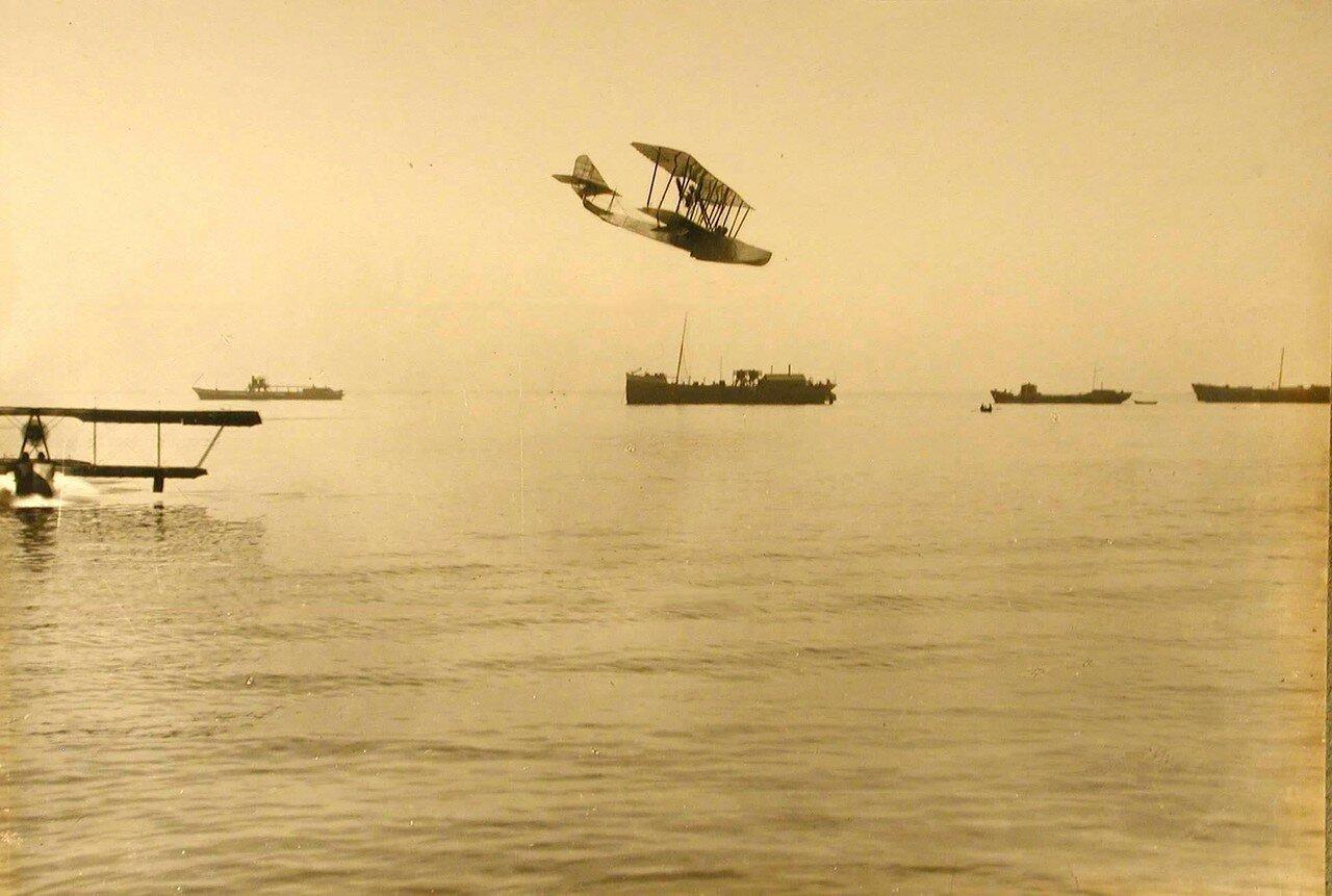 26. Посадка летательного аппарата гидроплана на воду