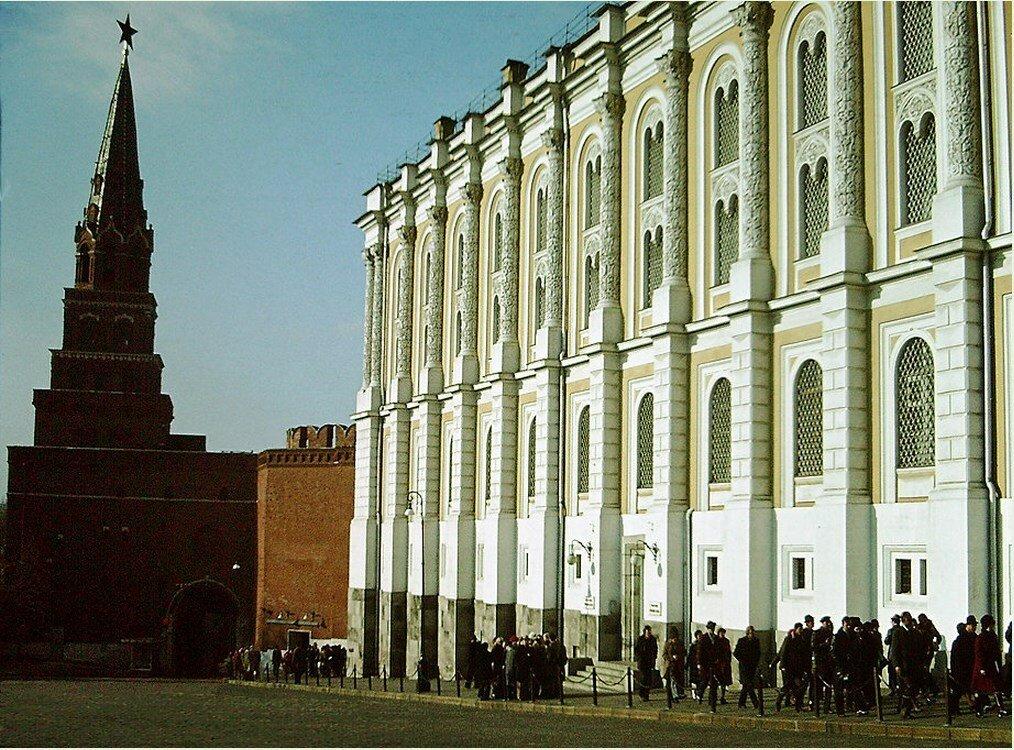Боровицкая башня и Оружейная палата