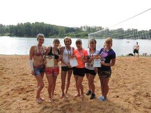 Районный турнир по пляжному волейболу. П. Дубровка, 10 августа 2014 года. Команды-победительницы.