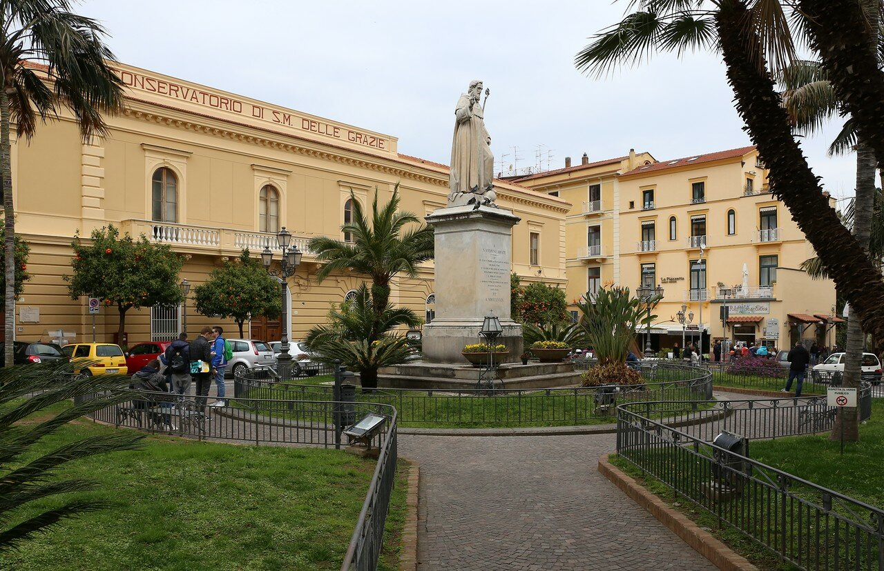Sorrento. St.Antonio square (Piazza Sant'Antonino)