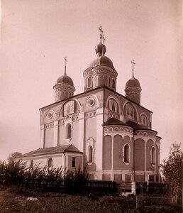 Вид собора Рождества Богородицы в Лужецком монастыре,основанном в 1408 г. иноком Ферапонтом (собор построен в 1520-е гг.). Московская губерния, близ г.Можайска