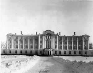 Фасад нового гербария и библиотеки Ботанического сада.