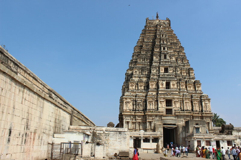 Действующий храм Вирупакша