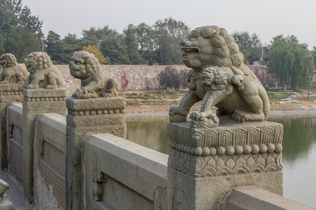 Львы моста Лугоу