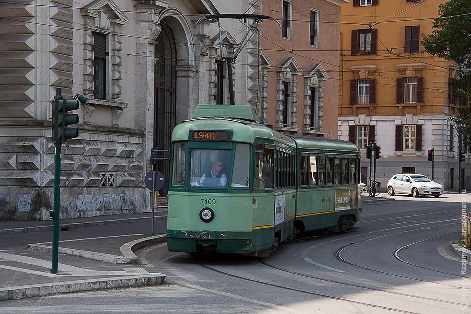 Трамвай в Риме