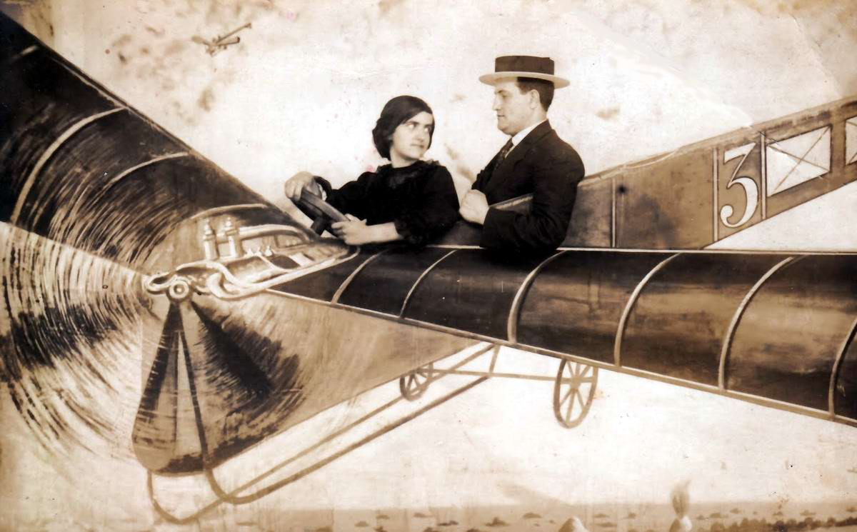 Художественные фоны для фотографий авиационной и воздухоплавательной тематики (30)
