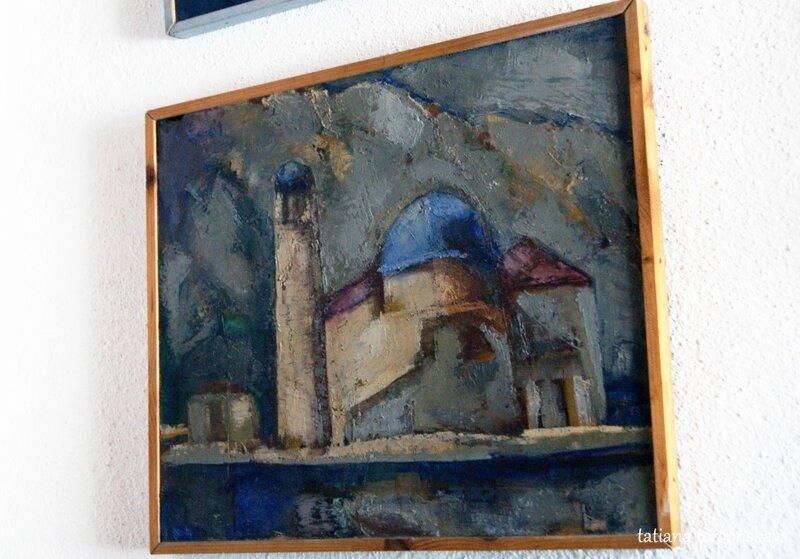 Картина с островом в галерее