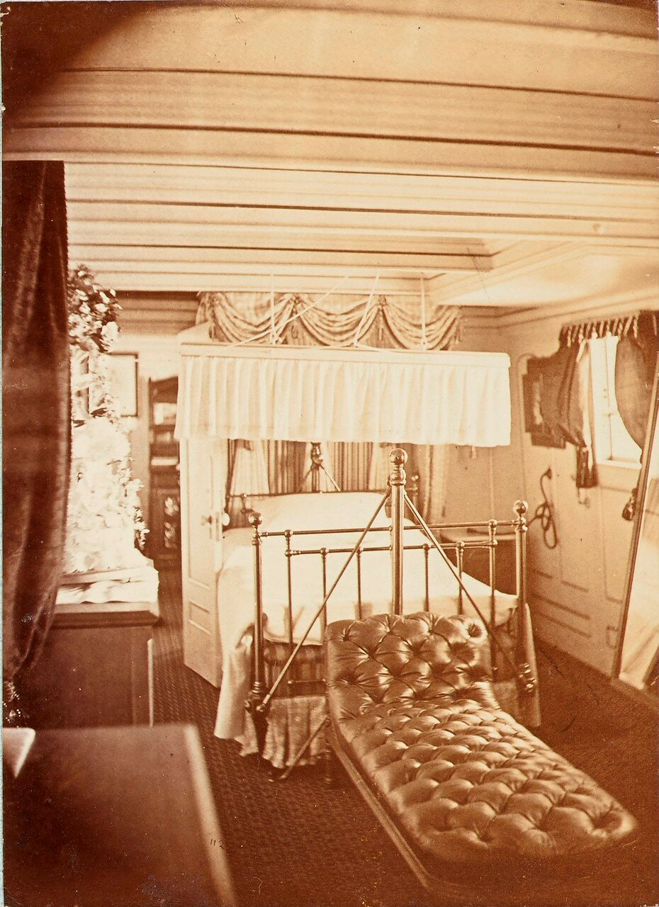162.  Спальня принца Уэльского, HMS «Серапис» (вариант снимка 06)