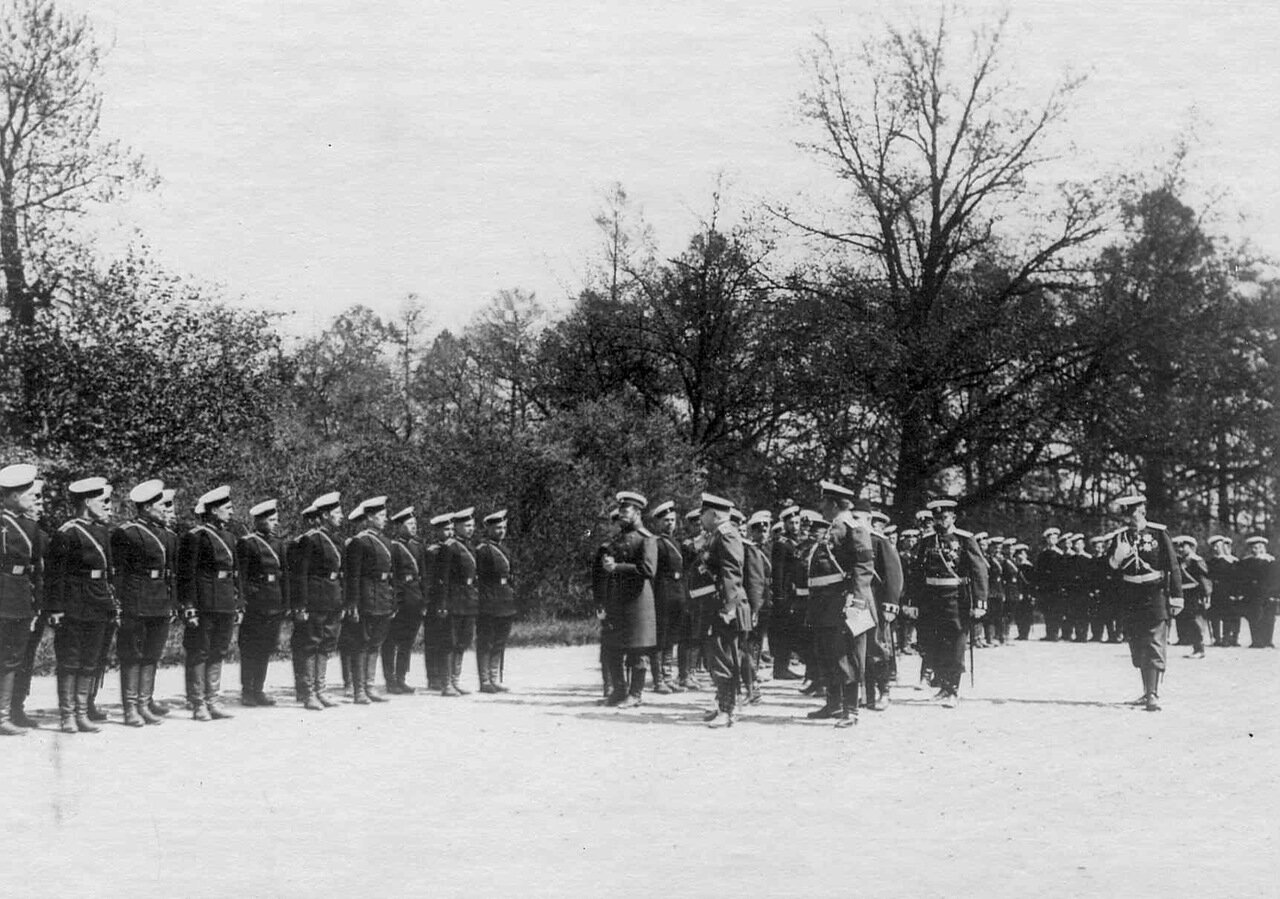 21. Прибытие императора Николая II к месту расположения войск, отправляющихся на Дальний Восток. Харьков