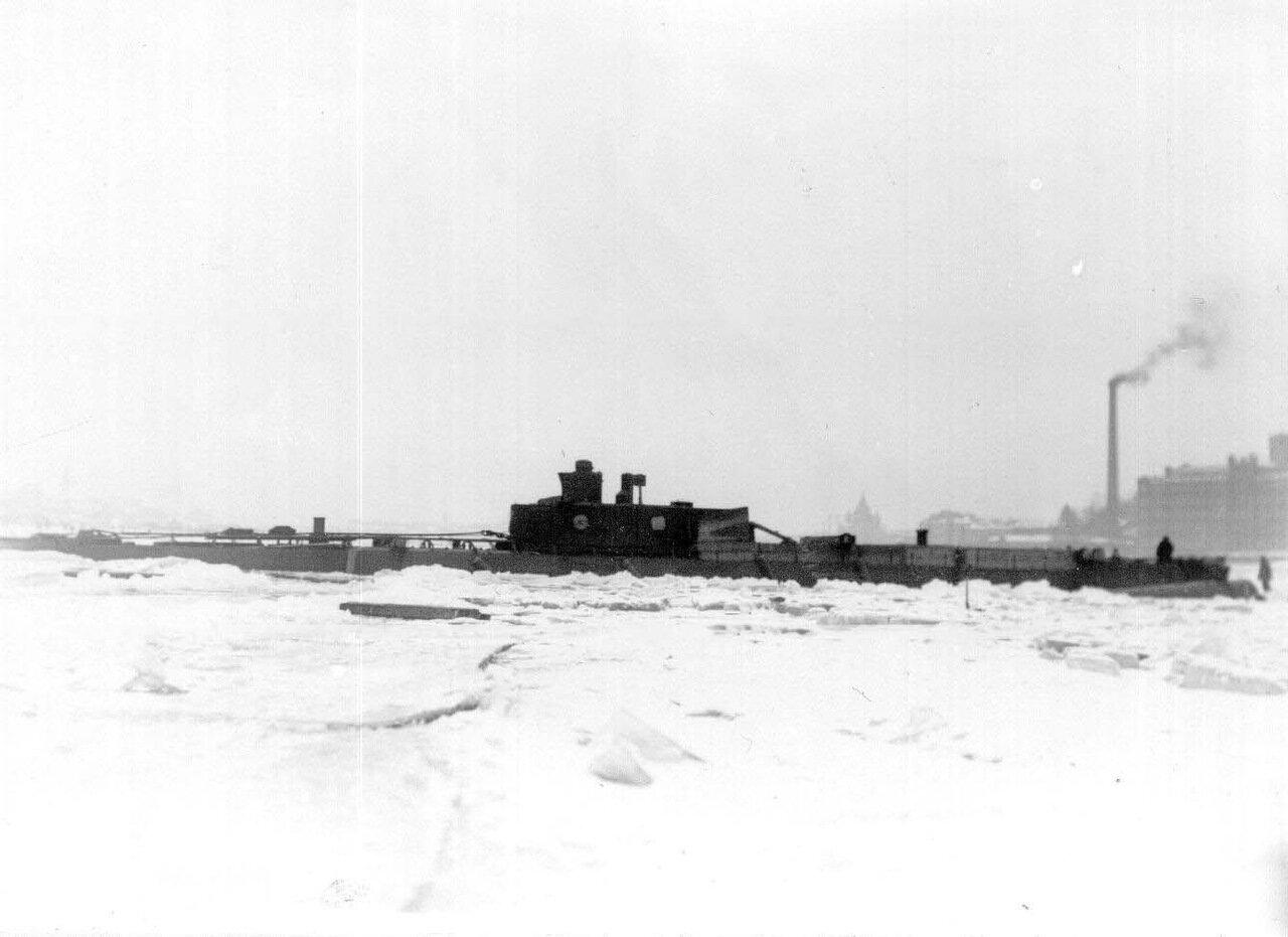 09. Общий вид подводной лодки, спущенной со стапелей. Ноябрь 1907