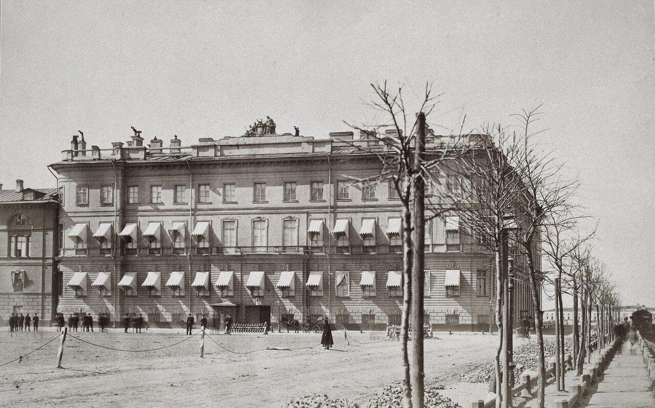 Дом принца Ольденбургского (Бецкого) на Дворцовой набережной
