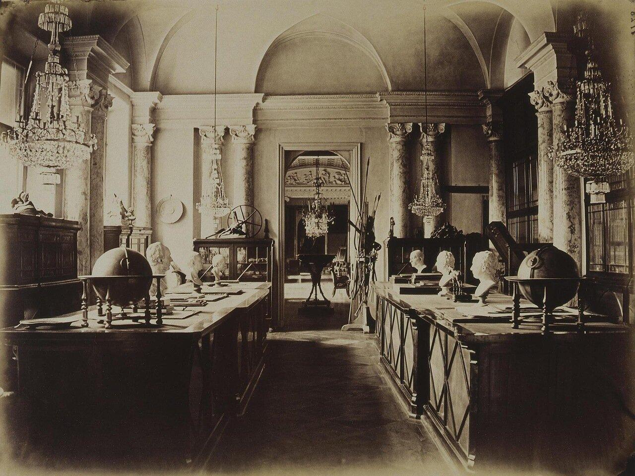 Дворец Строгановых на Невском проспекте. Кабинет-библиотека