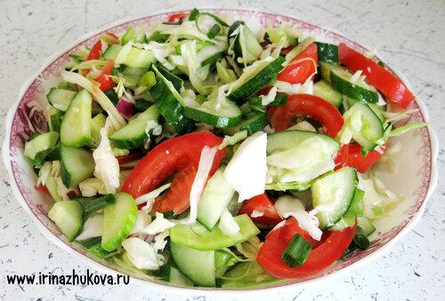 Как приготовить легкий летний салат
