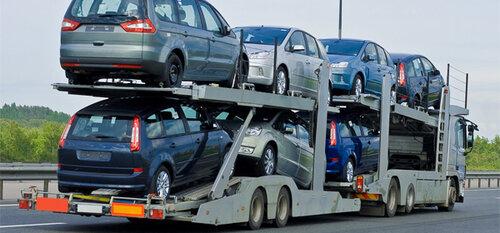 Импорт легковых авто в РФ рухнул на 15%