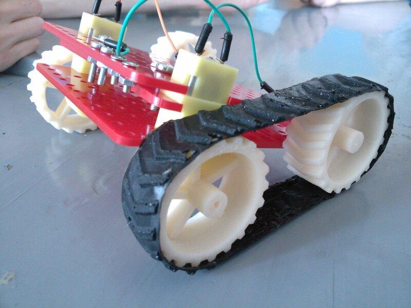Школа роботы ДОСААФ-занятие6-протектор и гусеницы-28.jpg