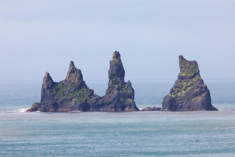 4. Чёрные берега Рейнисфьяра и кратеры вулкана Лаки.