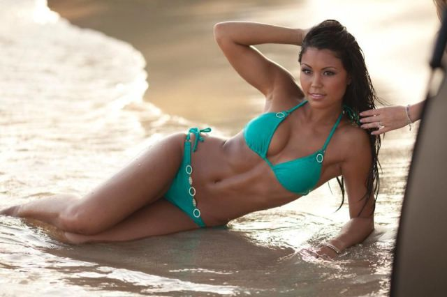 Красивые горячие девушки на пляжах 0 101c84 3f11129f orig