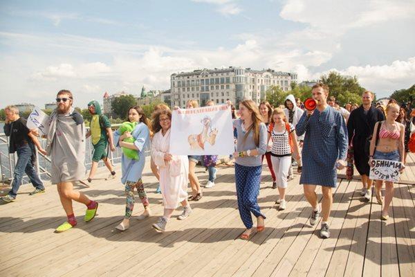 Сонный парад в Санкт-Петербурге 3 июля 2014 года