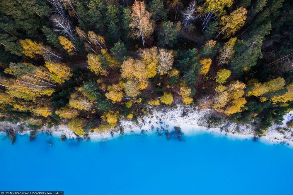 Осенний лес и лазурная вода (17.12.2015)