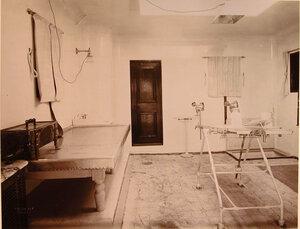 Вид части операционной палаты плавучего госпиталя Орёл.