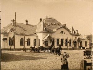 Вид здания станции со стороны двора. Санкт-Петербургская губ. Лужский уезд. Преображенская ст.