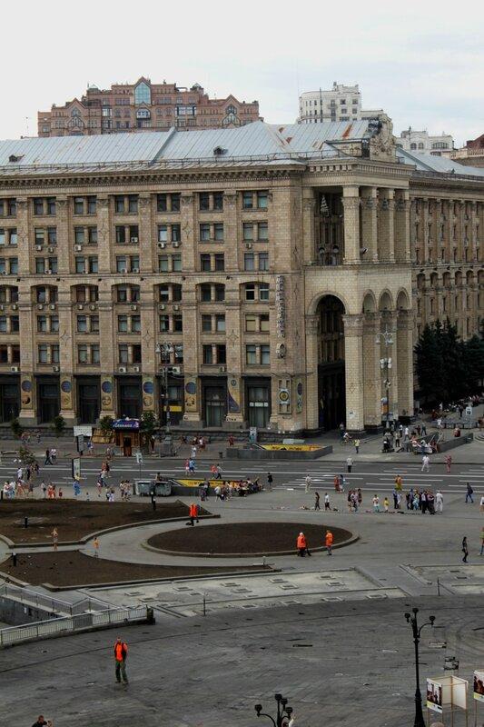 Убрали главную елку Киева
