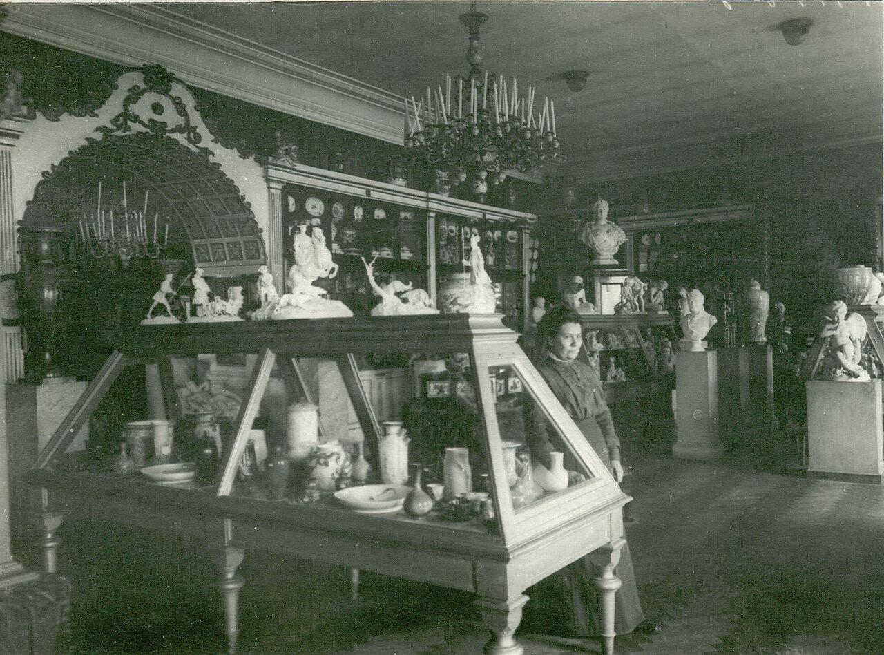 14. Выставка изделий завода