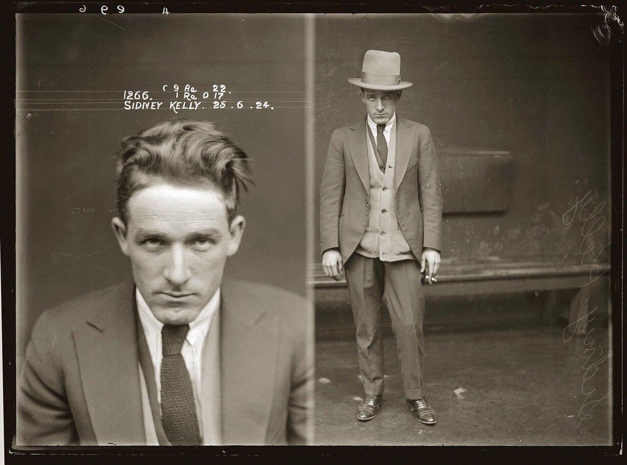 12.Сидней Келли, очень опасный гангстер из Лос-Анджелеса. Тесно работал на мафию в других штатах. На его счету: заказные убийства, вооруженные нападения, наркотики и сутенерство. Знался и делал недоказанные дела с Джоном Диллинджером