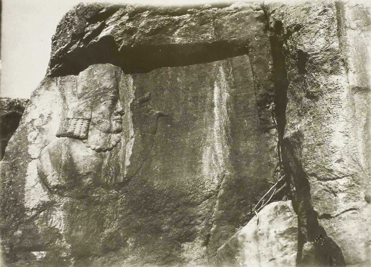 Накше-Раджаб. Сасанидов скальный рельеф (рельеф IV).«Портрет Картира», знаменитого зороастрийского первосвященника при Шапуре I и его сыновьях